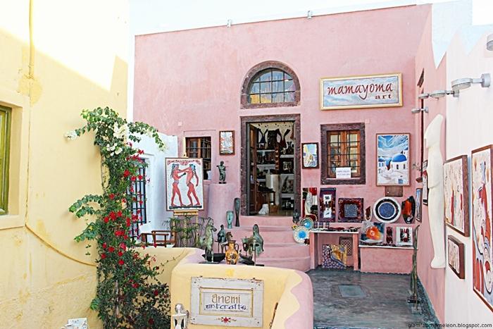Mamayoma art shop Oia Santorini