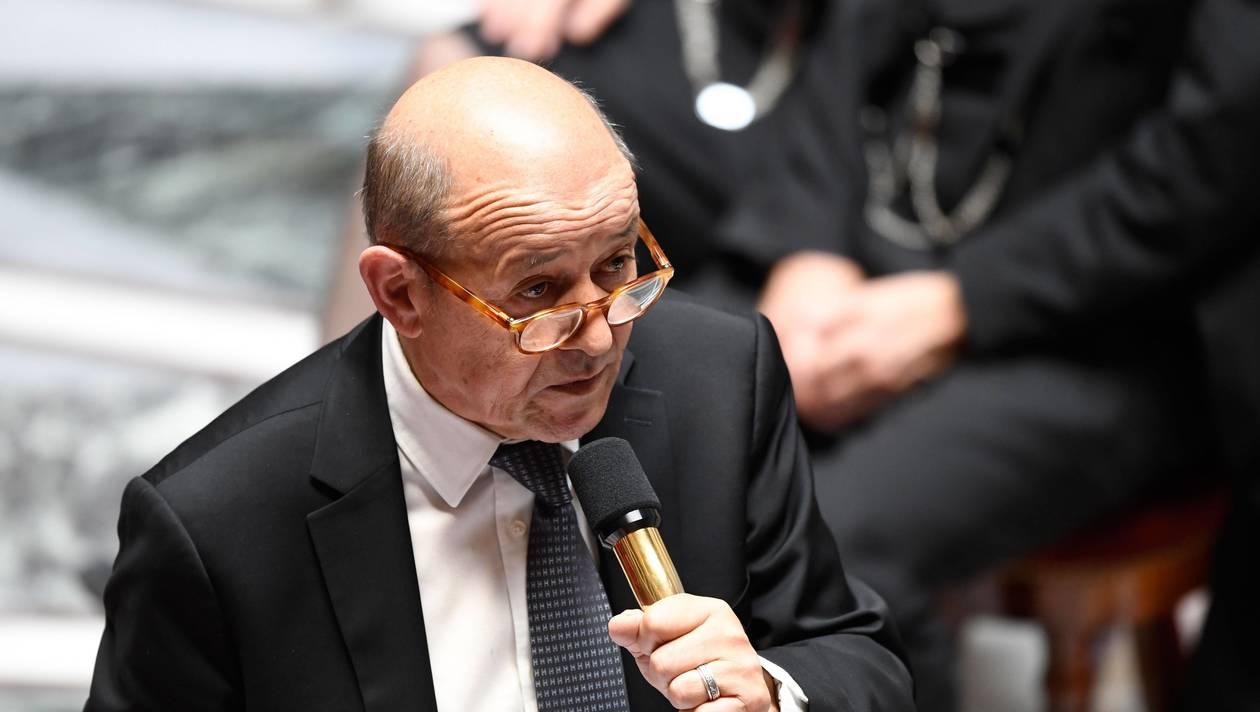 Le ministre français Le Drian : « Nous ne transigerons jamais sur la souveraineté de la France»