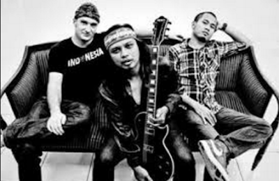 Download Kumpulan Lagu Gugun Blues Shelter Full Album Lengkap