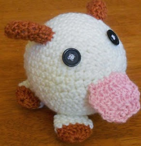 https://translate.googleusercontent.com/translate_c?depth=1&hl=es&rurl=translate.google.es&sl=en&tl=es&u=https://strangenessisconserved.wordpress.com/2013/12/29/poro-amigurumi-pattern/&usg=ALkJrhjJp2ON6v5O_lehg-6qRscQvBVzLQ