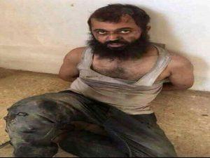 شاهد صور طبيب عراقي انضم الى عصابات داعش وتم القبض عليه من قبل القوات الأمنية في الموصل  و كيف اصبح بهذه الحالة المزريه !