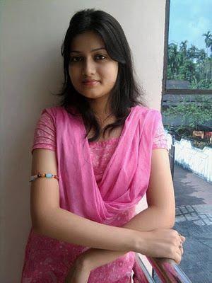 Simple Beautyfull Hot Sexy Desi Girl