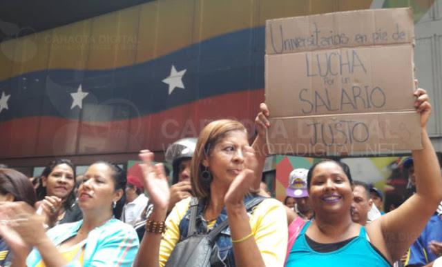 Trabajadores universitarios protestaron por desmejoras salariales