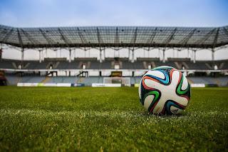 Rangkuman Materi Sepak Bola, Teknik Dasar, Peraturan, Ukuran Lapangan dan Sejarah Singkat Sepak Bola Dunia dan Indonesia