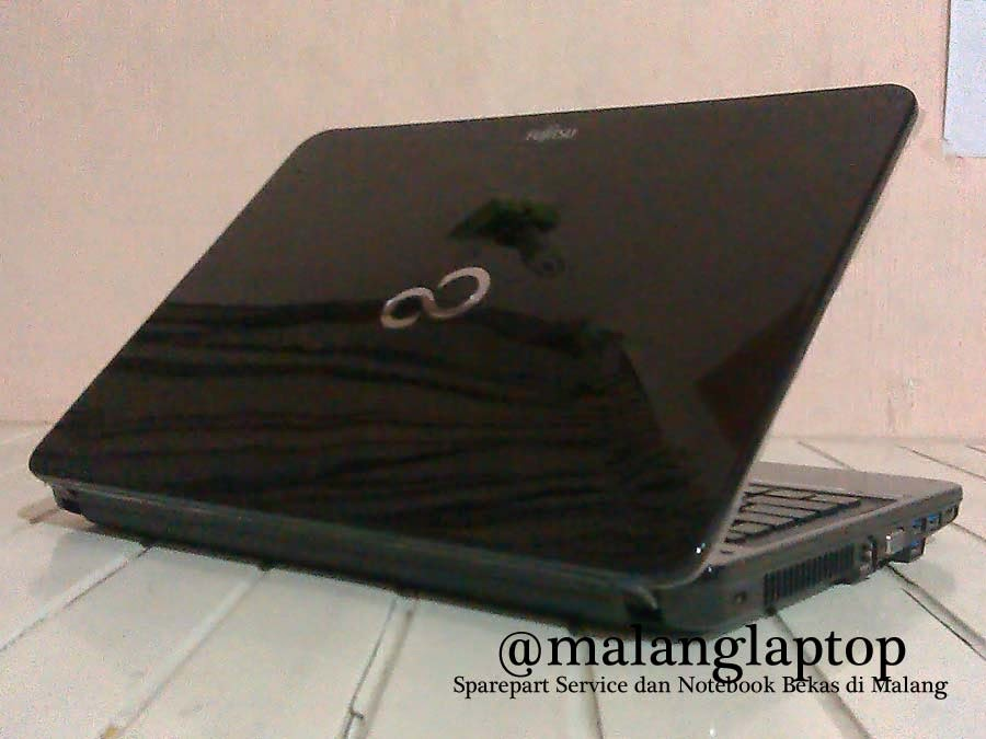 Laptop Second Fujitsu Lh532