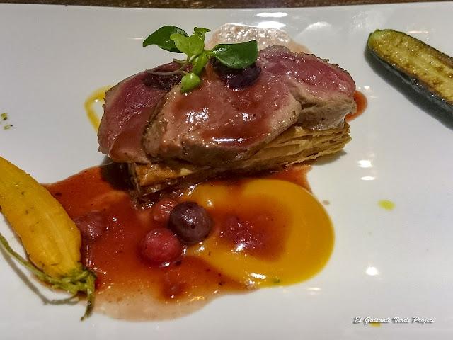Tosta Lomo de Ciervo - Bilbao Berria Restaurante por El Guisante Verde Project