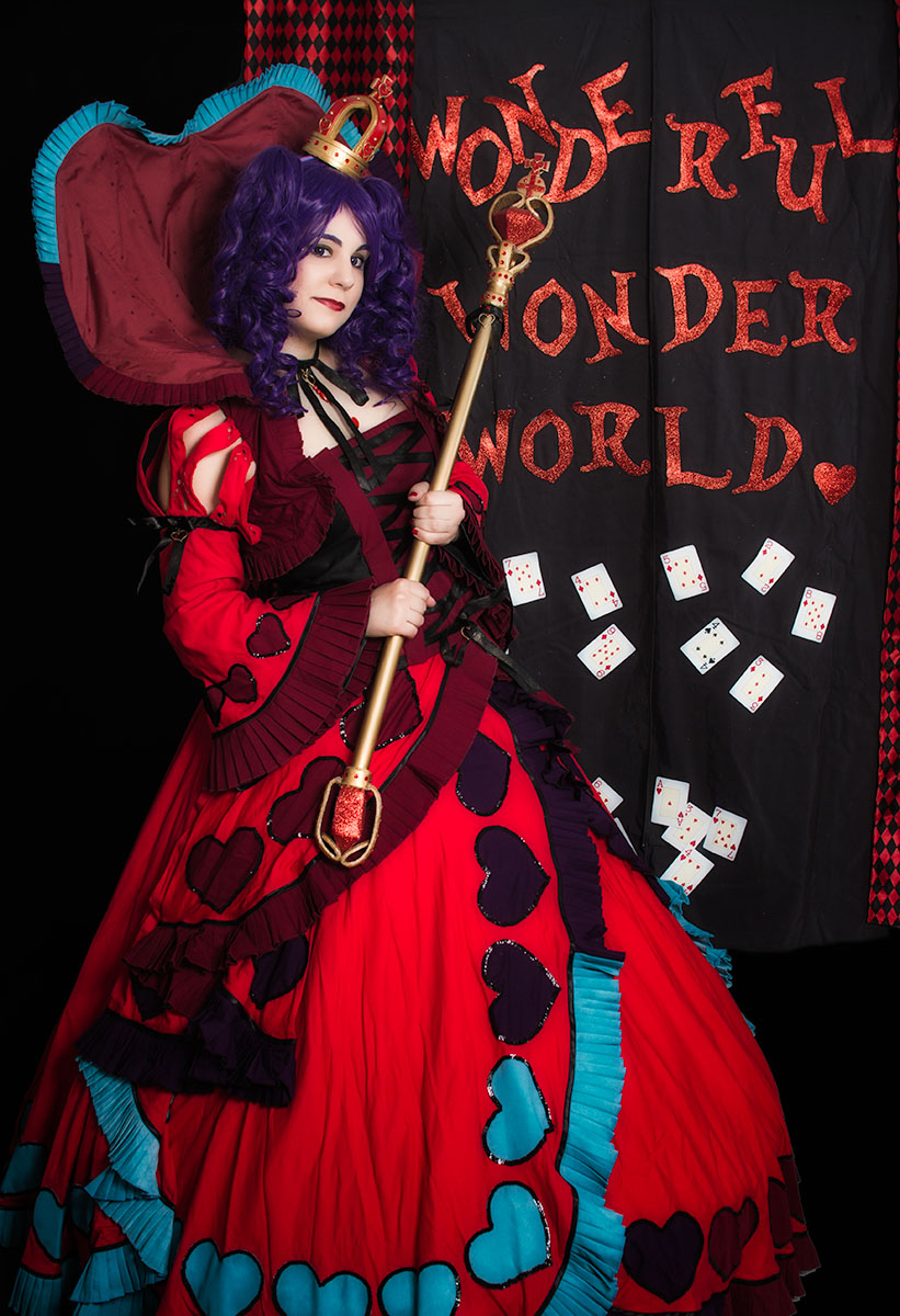 QLIO.ORG - FOTOS: Reina de corazones (Cosplay)