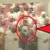 بالفيديو  ماذا فعل أحد أفراد شرطة الحرم المكي أثناء الصلاة! ....
