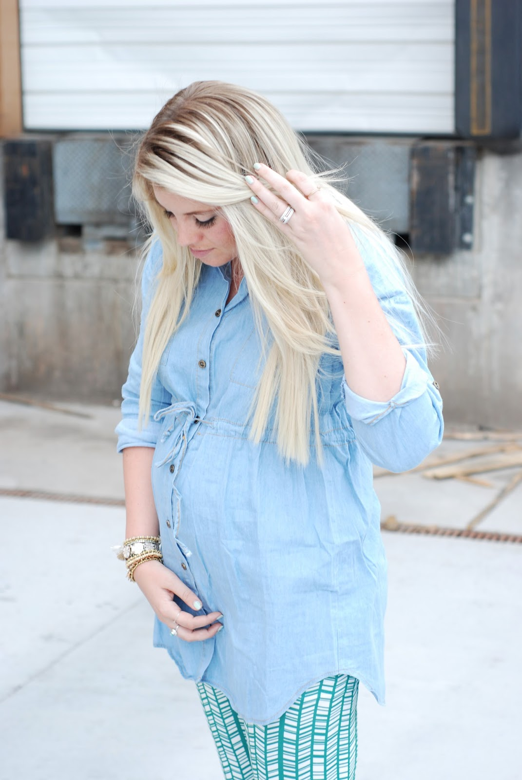 Utah Fashion Blogger, Maternity Style, Chambray