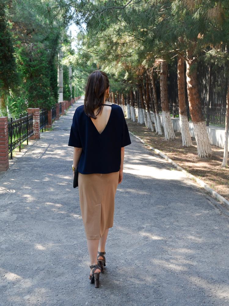fashion_blogger_diyorasnotes_street_style_midi_skirt_top_mango_clutch_asos
