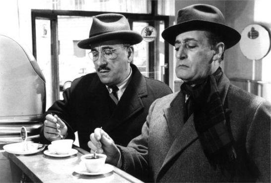 Totò e Peppino De Filippo nel film LA BANDA DEGLI ONESTI