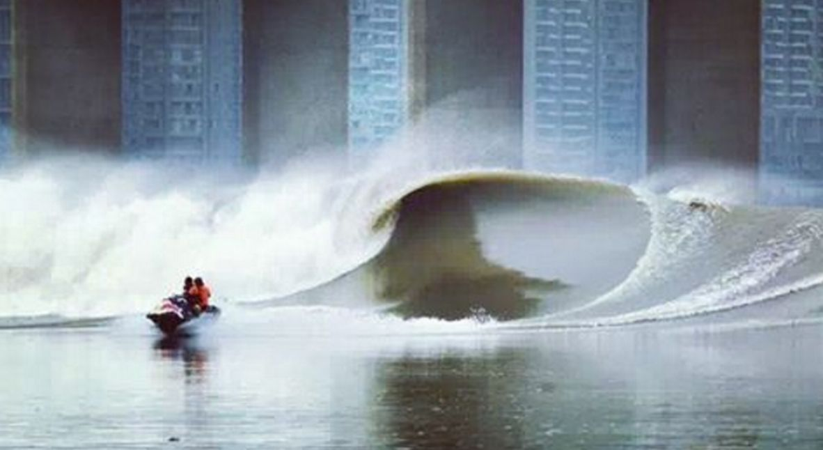 GoPro Surfing the Silver Dragon of China