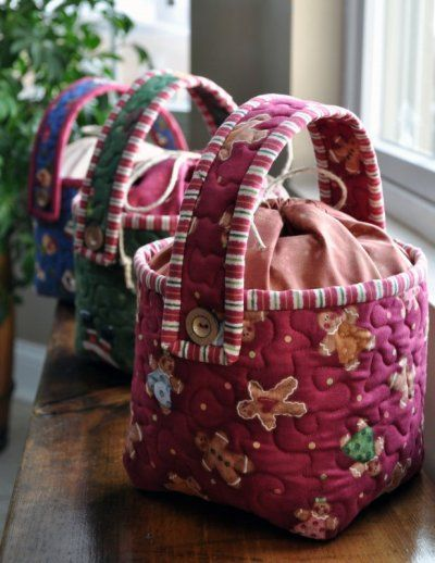 Santa's Cookie Bucket Free Quilt Pattern