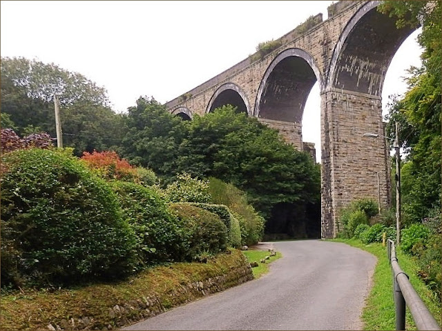 Train viaduct used by trains, Gover Valley, Cornwall