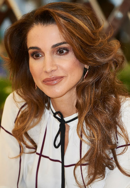 Queen Rania Abdullah of Jordan visits the Prado Media Lab cultural center