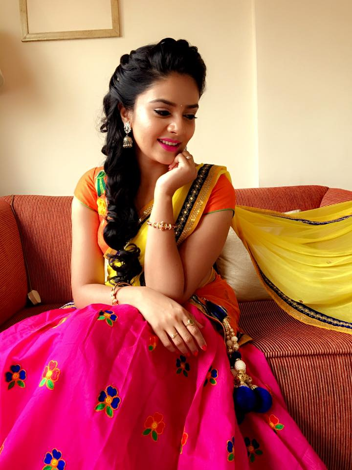 Telugu Tv anchor Sreemukhi In Yellow Lehenga Choli
