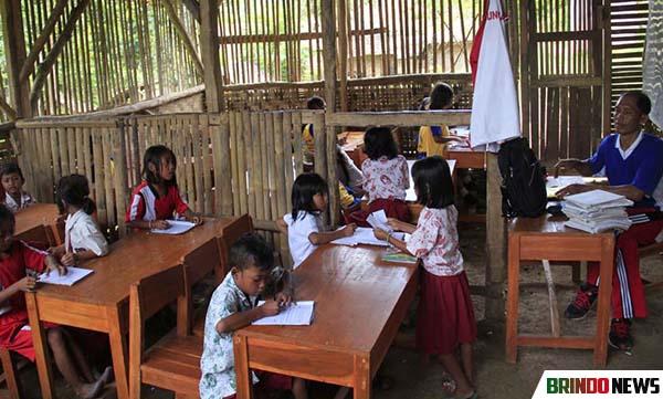 Image result for potret pendidikan di daerah terpencil