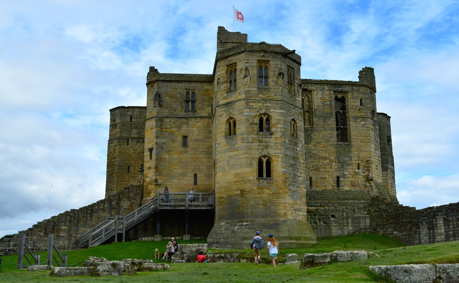 The best picnic spots in Northumberland | Warkworth Castle