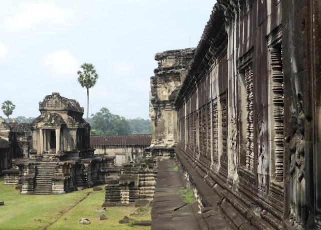 Patio de uno de los recintos de Angkor Wat