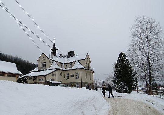 Dom zakonny Sióstr Urszulanek Szarych w Jaszczurówce.