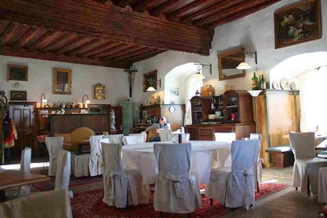 Speisen wie in einem Rittersaal in den Orther Stub'n © Copyright Monika Fuchs, TravelWorldOnline