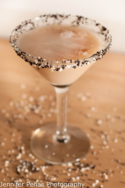 christmas cocktail, reindeer tracks, chocolate  vodka, hazelnut liqueur, Frangelico, dark creme de cacao, cream