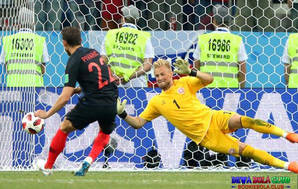 Piala Dunia 2018 Momen Ekspresi Terbaik kiper siap menahan