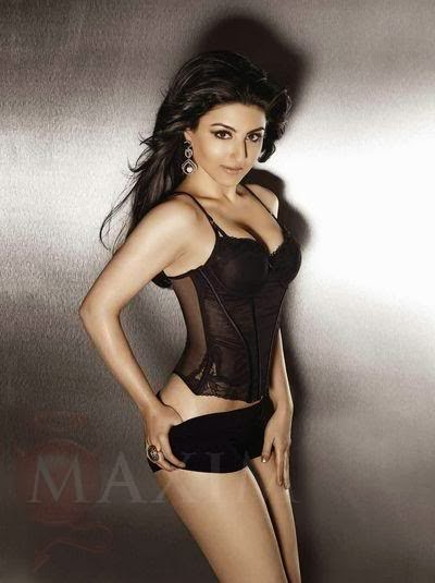 soha-ali-khan-looking-hot-in-sexy-black-lingerie-top-and-hot-pants