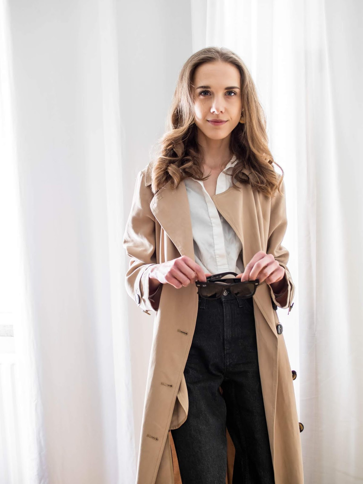 Fashion blogger spring style inspiration, trench coat, Helsinki, Finland - Muotibloggaaja, kevätmuoti, inspiraatio, trenssitakki, Helsinki, Suomi