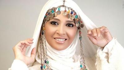 صور حنان ترك بعد غياب طويل تظهر في جنازة زوجة محمد صبحي