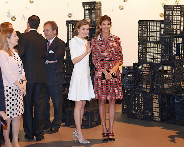 Queen Letizia style Madmacarena python snake clutch, wore Magrit snake printed pumps