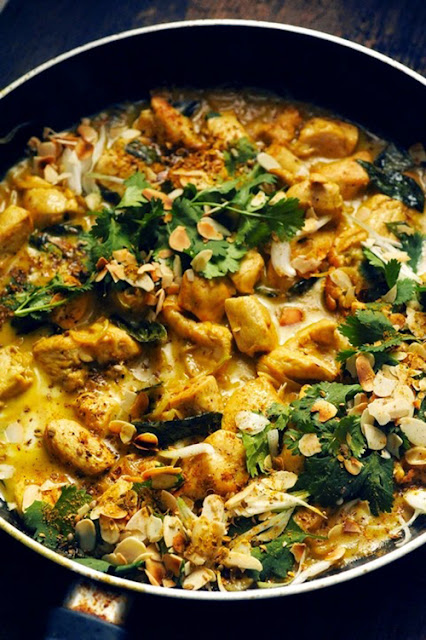 Et si vous veniez vous amuser, cuisiner, manger... samedi avec nous ! Venez faire un p'tit curry de poulet à l'indienne et un riz indien aux épices avec moi!