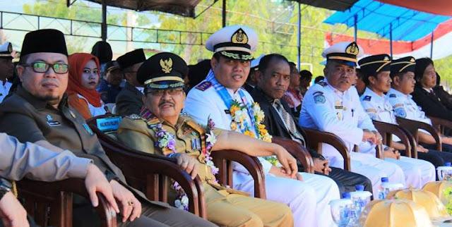 Wali Kota Palopo Serahkan KIP Kepada 200 Siswa SMK Pelayaran