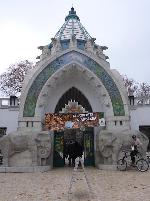 entrée du zoo de Budapest Hongrie