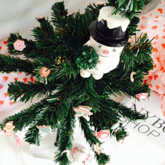 DIY Sticker Trees for Christmas | Linzer Lane Blog