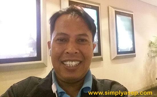 NONTON : Saya sempat swafoto saat ME TIME nonton film Ayat Ayat Cinta 2 di XXI Ahmad Yani Mega Mall beberapa waktu yang lalu.  Foto Asep Haryono