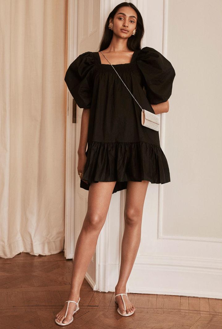 4 Budget-Friendly Summer Outfit Ideas — Black Puff Sleeve Dress