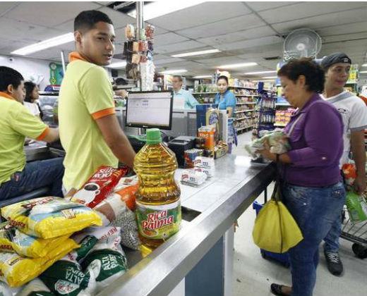 El comercio colombiano da un balón de oxígeno a venezolanos