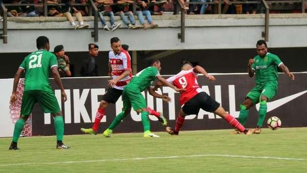 Madura United vs Persebaya Surabaya