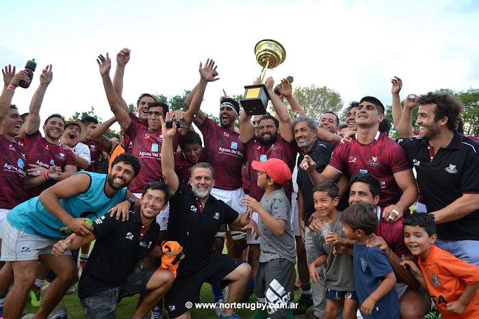 Los Mayuatos se quedaron con la copa @ImperialARG al vencer a @brasilrugby por 30 a 29 #VamosMayuatos. Foto de Jorge Skaf para Norte Rugby.
