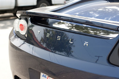 首件自動駕駛死亡車禍,2 萬 5 千台 Tesla Model S 遭調查