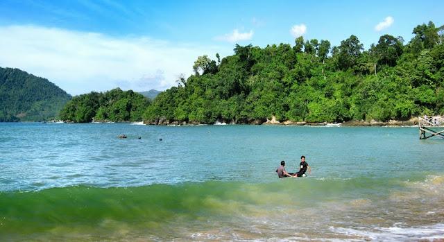 Pantai Karanggongso Trenggalek