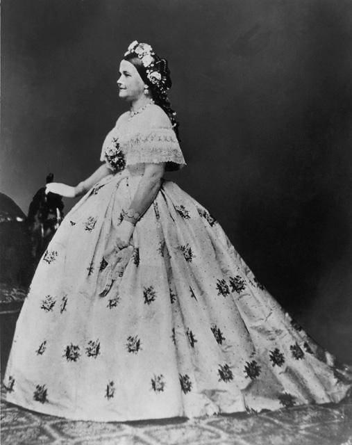 LibrisNotes: Mrs Lincoln's Dressmaker by Jennifer Chiaverini