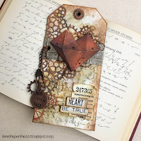 https://sewpaperpaint.blogspot.com/2019/01/tim-holtz-faceted-heart-chapter-1-rusty-tag.html