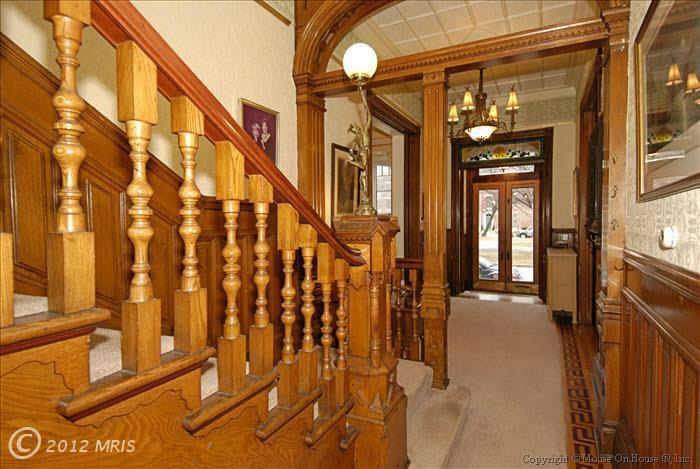 Victorian Interior Design Features: Old World, Gothic, And Victorian Interior Design