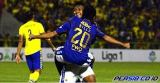 Menang di Gresik, Persib Pimpin Klasemen Sementara Liga 1
