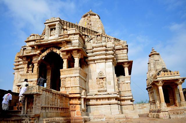 chittorgarh fort life rajasthan town heritage mira temple
