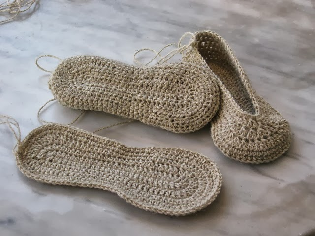 1964 complementos zapatillas de crochet labores en red - Complementos de ganchillo ...