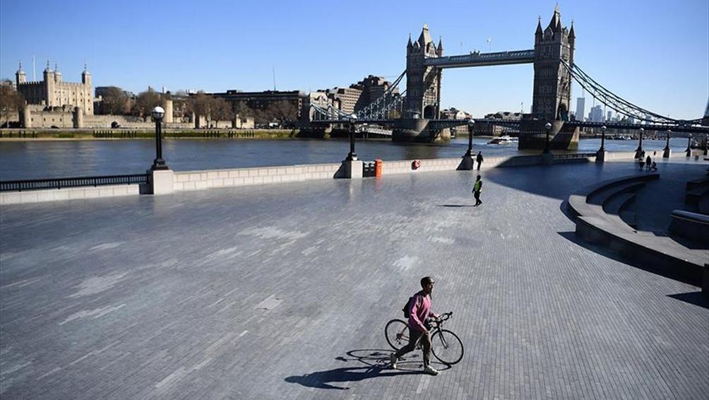 Reino Unido: la cifra diaria de muertos cae nuevamente y desciende a 350