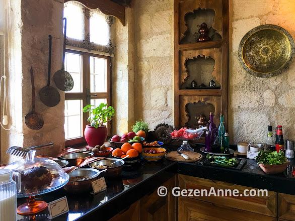 Fresco Kankaları otelin güzel dekorasyonu ve özenli kahvaltısı, Kapadokya